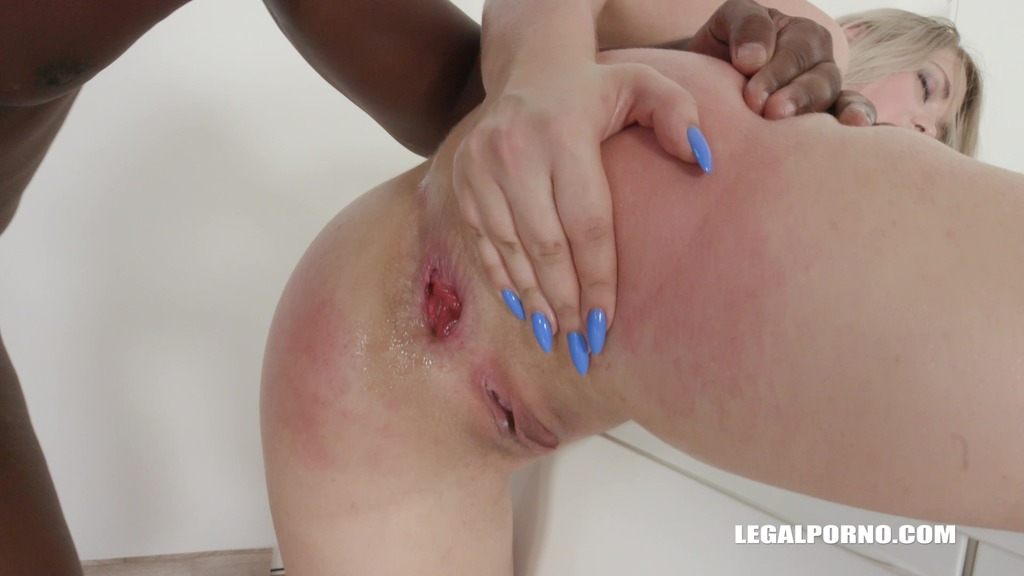 LegalPorno - Interracial Vision - Selvaggia faces four black bulls the result is double anal IV195