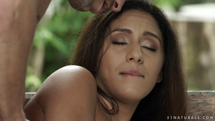 21EroticAnal.com - Liv Revamped, Lutro - Summertime Lovers - 2018-08-02  - 720p Free Download From pornparadise.org