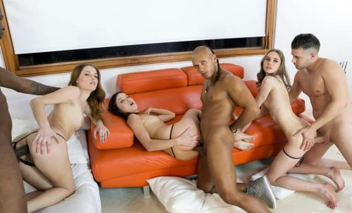 Roxy Dee, Ginger Fox, Jenna Clarke - Mini orgy with 3 guys RS172 (HD)
