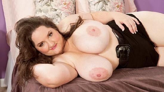 YOUR BBW - Free galleries of Curvy fat girls, BBW, large.