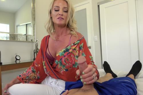 Sydney Hail - Moms Regretful Tease (Clips4Sale.com/958 MB)