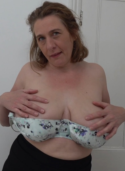 British big breasted housewife Camilla fooling around
