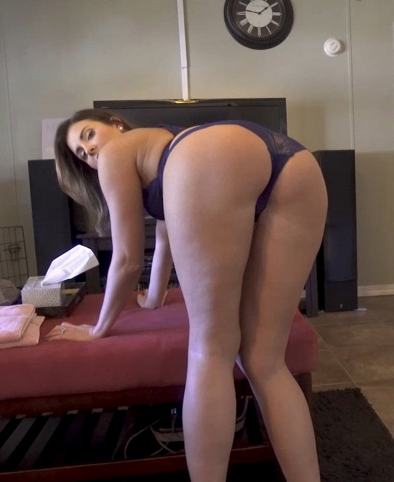 Helena Price - Deal With My Girlfriends Hot Mom Complete Series (Clips4sale) [FullHD 1080p]