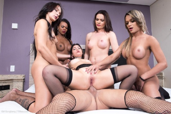 Lavinia Magalhaes Hanna Rios, Juliana Leal, Nicolly Pantoja, Lara Machado - Girl Bred and Fed By 5 Hung Tgirls (2018/TSRaw/HD/720p)