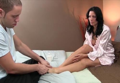 Zoey Holloway - Seduction of my son (HD)