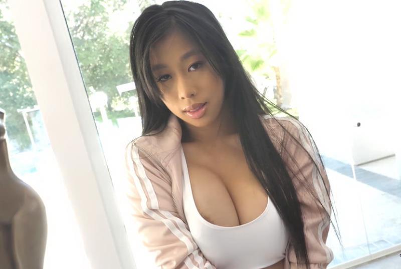Jade Kush - Fit For Facial (2018/FullHD)