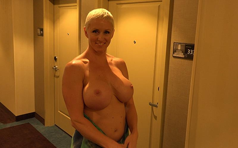 Naomi - Blonde Pixie Amazing Super MILF BTS (MomPov) [HD 720p]