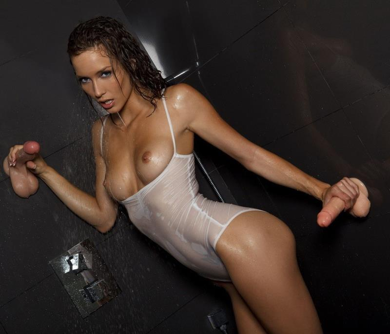 Twistys: (Malena Morgan) - I Dont Sing In The Shower [HD / 658 MB]