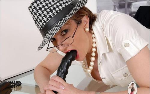 Lady Sonia - Cumshot Compilation (2018/HD)