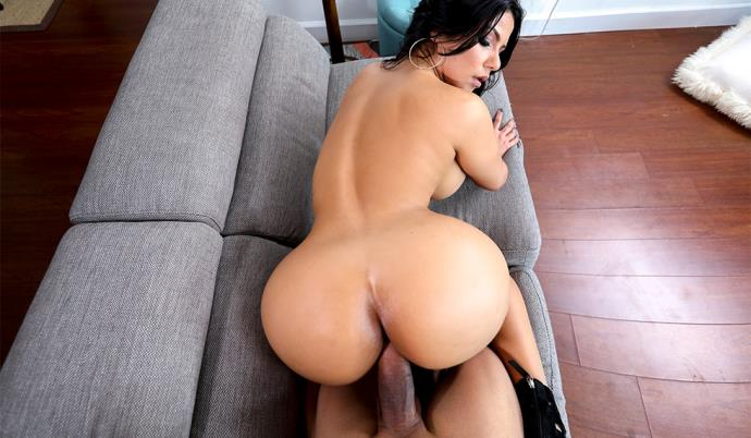 Rose Monroe - Creampie For This Perfect Latina [HD, 720p]