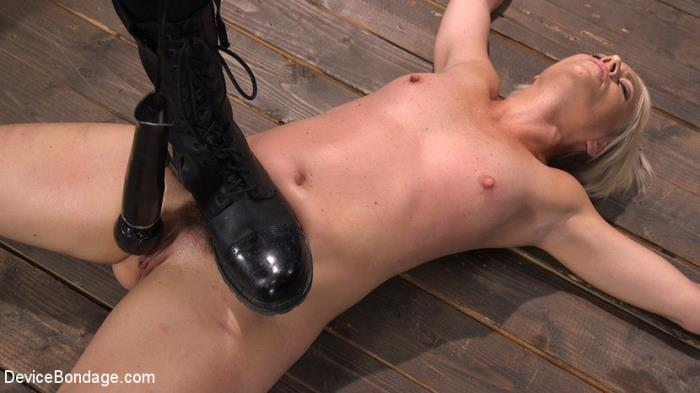 Helena Locke (DeviceBondage.com/Kink.com) Sexy Blonde Cougar is Destroyed in Device Bondage [HD 720p] - Bondage