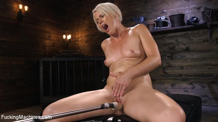 Helena Locke - Sexy Blonde Cougar Gets Machine Fucked [HD 720p] (1.27 Gb) FuckingMachines.com/Kink.com