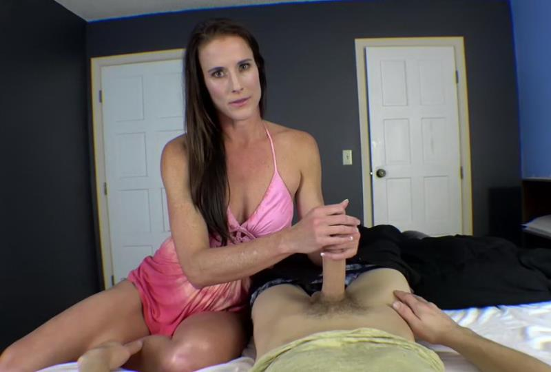 Sofie Marie: Mom takes care of you part 1 (HD / 720p / 2018) [Clips4Sale]