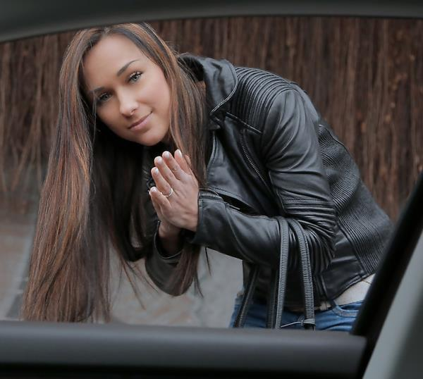 Victoria Sweet - Brunette Gets in a Strangers Car (2018/SD)