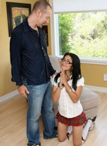 Andrea Kelly, Chris Charming - Relax Hes My Stepdad (2018/HD)