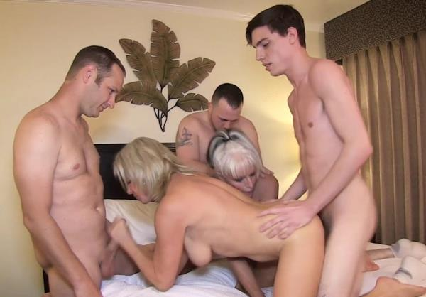 Sally D'Angelo, Payton Hall - Mommy Gang Bang (HD)