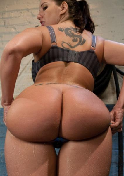 FuckingMachines.com - Kelly Divine - Bury Your Face in Her Ass [HD 720p]