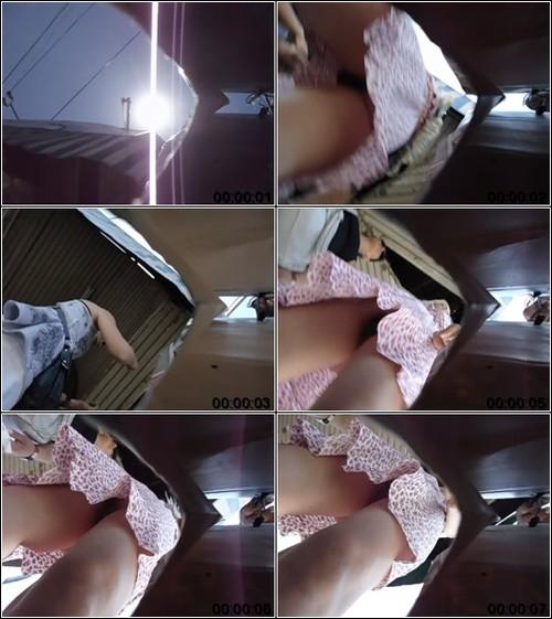 [Image: Upskirt_No_Panties_3060._1_m.jpg]