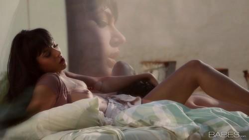 [2012 07 09]warm Touch(shazia Sahari) 1080p