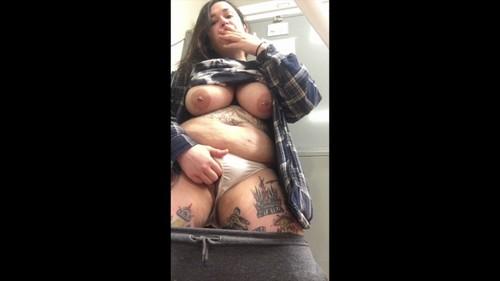 Kezia420 Exhibitionist Slut Cums At Work 2
