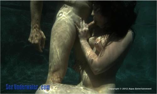 SexUnderwater-p559_cover_m.jpg