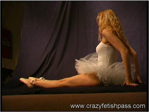 http://ist5-1.filesor.com/pimpandhost.com/9/6/8/3/96838/5/O/4/K/5O4Kj/flexifetishgirls067_cover_m.jpg
