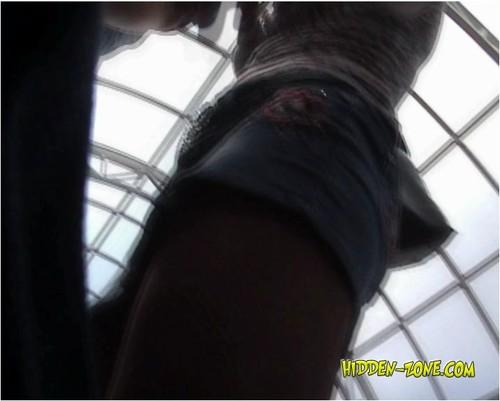 http://ist5-1.filesor.com/pimpandhost.com/9/6/8/3/96838/5/O/7/l/5O7lk/Hidden-ZoneUpskirt0280_cover_m.jpg