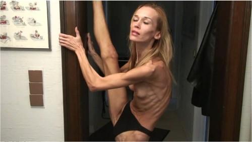 http://ist5-1.filesor.com/pimpandhost.com/9/6/8/3/96838/6/2/H/4/62H4q/Anorexia236_cover_m.jpg