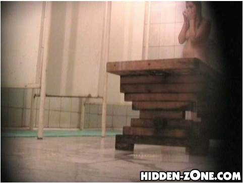 Hidden-zoneShowerRoom393