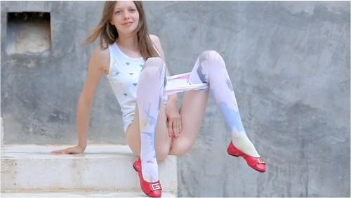 http://ist5-1.filesor.com/pimpandhost.com/9/6/8/3/96838/6/2/p/5/62p5U/Anorexia011_cover_m.jpg