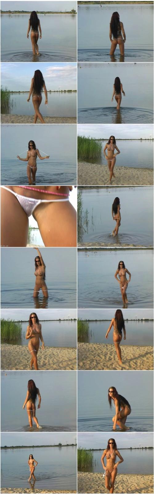 [Image: Bikini170_thumb_m.jpg]