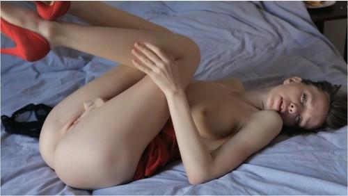 http://ist5-1.filesor.com/pimpandhost.com/9/6/8/3/96838/6/2/y/r/62yrb/Anorexia106_cover_m.jpg