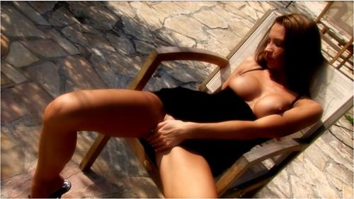 http://ist5-1.filesor.com/pimpandhost.com/9/6/8/3/96838/6/4/J/4/64J4Z/MC-Nudes093_cover_m.jpg