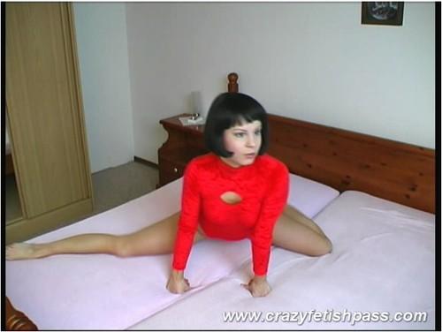 http://ist5-1.filesor.com/pimpandhost.com/9/6/8/3/96838/6/6/5/0/6650z/flexifetishgirls-w033_cover_m.jpg