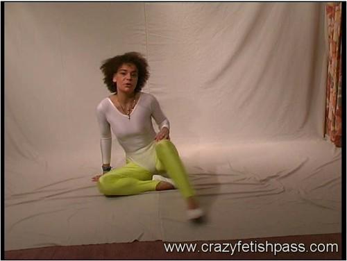 http://ist5-1.filesor.com/pimpandhost.com/9/6/8/3/96838/6/6/7/2/6672v/flexifetishgirls-w067_cover_m.jpg