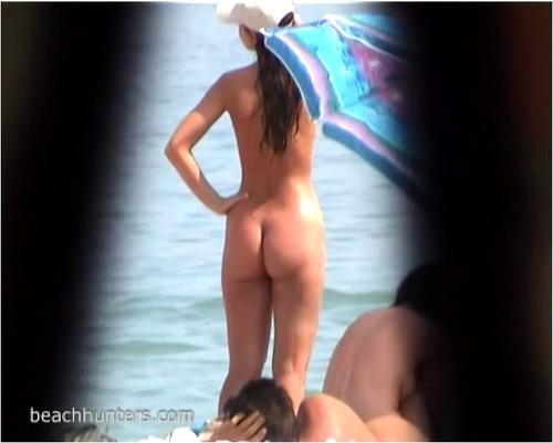 beachhunters0114_cover_m.jpg