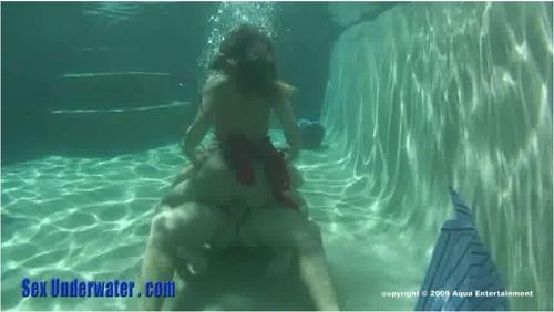 http://ist5-1.filesor.com/pimpandhost.com/9/6/8/3/96838/6/9/T/g/69TgU/SexUnderwater080_cover_m.jpg