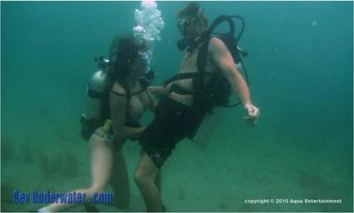 http://ist5-1.filesor.com/pimpandhost.com/9/6/8/3/96838/6/9/W/Y/69WYN/SexUnderwater157_cover_m.jpg