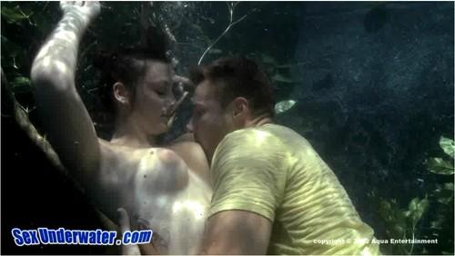 http://ist5-1.filesor.com/pimpandhost.com/9/6/8/3/96838/6/a/1/8/6a18l/SexUnderwater175_cover_m.jpg