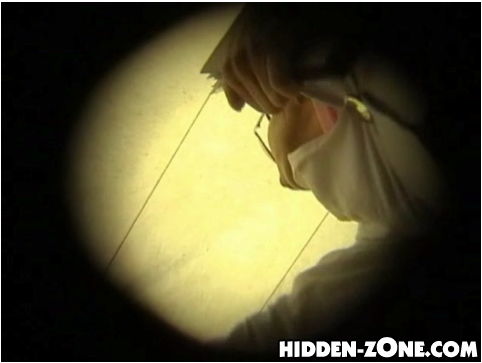 http://ist5-1.filesor.com/pimpandhost.com/9/6/8/3/96838/6/a/7/H/6a7HV/Hidden-ZoneUpskirt041_cover.jpg