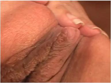 http://ist5-1.filesor.com/pimpandhost.com/9/6/8/3/96838/6/b/Z/y/6bZyE/LesbianLoveVZ-c162_cover.jpg