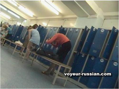 http://ist5-1.filesor.com/pimpandhost.com/9/6/8/3/96838/6/c/4/e/6c4es/Voyeur-russian064_cover_m.jpg