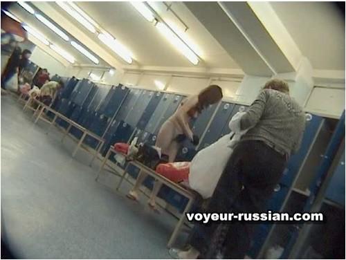http://ist5-1.filesor.com/pimpandhost.com/9/6/8/3/96838/6/c/e/L/6ceLH/Voyeur-russian369_cover_m.jpg