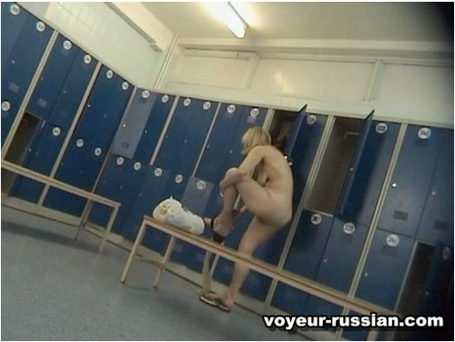 http://ist5-1.filesor.com/pimpandhost.com/9/6/8/3/96838/6/c/f/E/6cfE4/Voyeur-russian408_cover_m.jpg