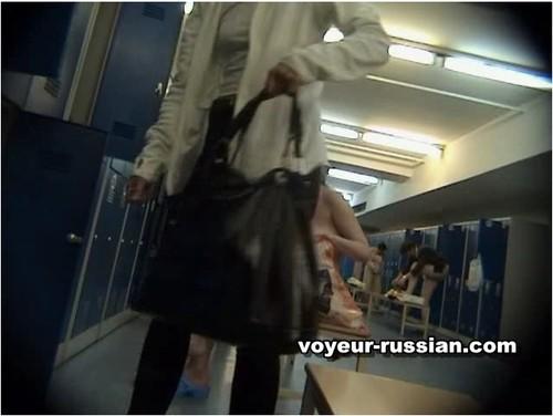 http://ist5-1.filesor.com/pimpandhost.com/9/6/8/3/96838/6/c/f/M/6cfMP/Voyeur-russian422_cover_m.jpg