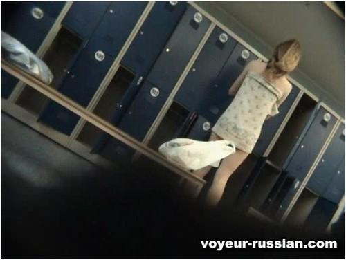 http://ist5-1.filesor.com/pimpandhost.com/9/6/8/3/96838/6/c/f/P/6cfPw/Voyeur-russian427_cover_m.jpg