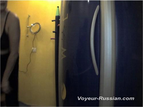 http://ist5-1.filesor.com/pimpandhost.com/9/6/8/3/96838/6/c/f/R/6cfRj/Voyeur-russian429_cover_m.jpg