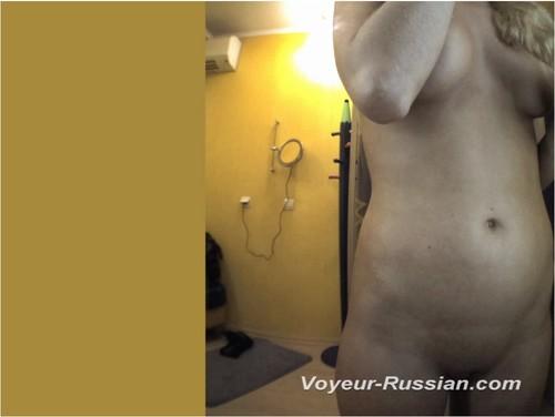 http://ist5-1.filesor.com/pimpandhost.com/9/6/8/3/96838/6/c/f/Y/6cfYh/Voyeur-russian437_cover_m.jpg