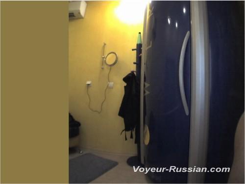 http://ist5-1.filesor.com/pimpandhost.com/9/6/8/3/96838/6/c/g/o/6cgoC/Voyeur-russian452_cover_m.jpg
