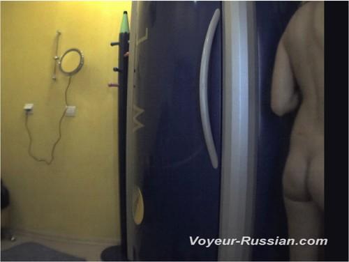 http://ist5-1.filesor.com/pimpandhost.com/9/6/8/3/96838/6/c/g/r/6cgrP/Voyeur-russian453_cover_m.jpg